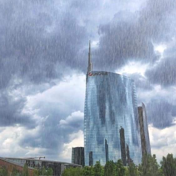 Il Sabato piove sempre a Milano...