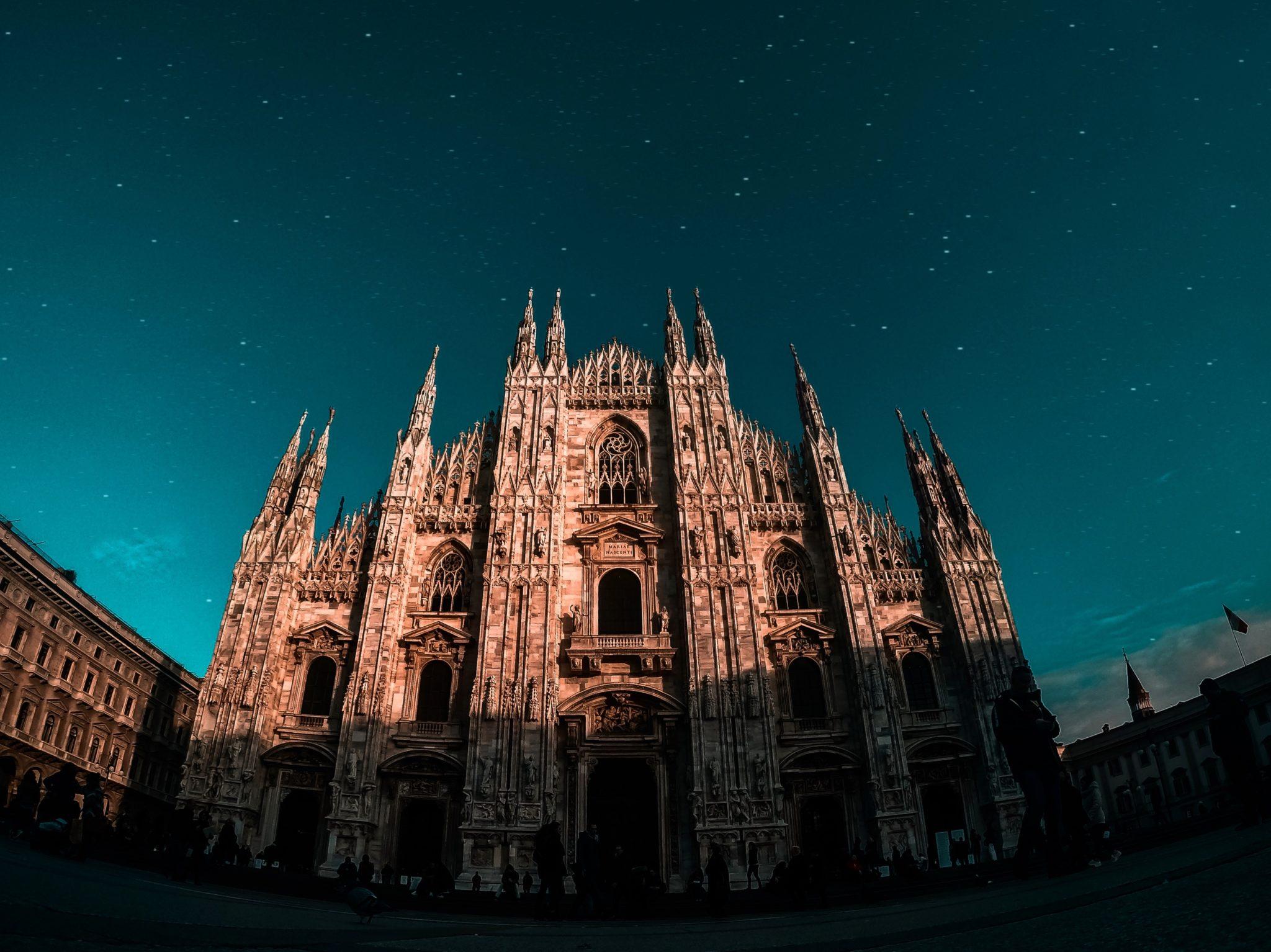 Milano e Cortina d'Ampezzo ospiteranno le Olimpiadi Invernali 2026 - Nella foto il Duomo, Cattedrale di Milano, ripreso da Benjamin Voros Unsplash